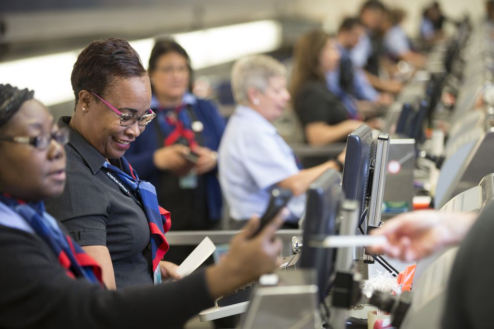 american airlines customer service representative